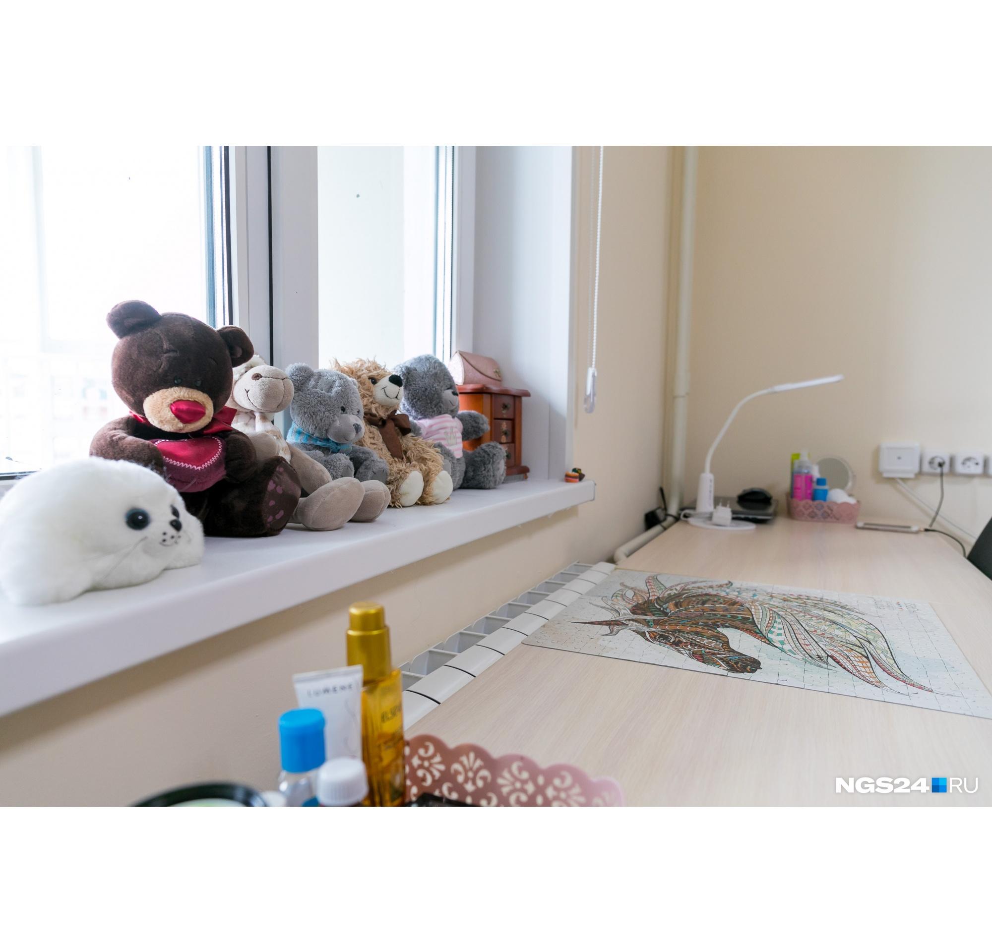 Девушки добавили милые вещицы в интерьер, чтобы сделать его более уютным