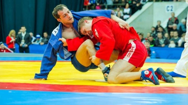 Уральский спортсмен завоевал серебро на кубке мира по самбо