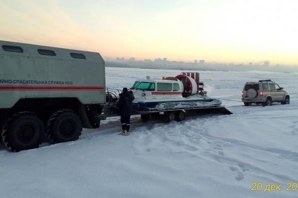 Спасатели прочесали на лодке всю Обь от Заельцовского парка до Северного объезда
