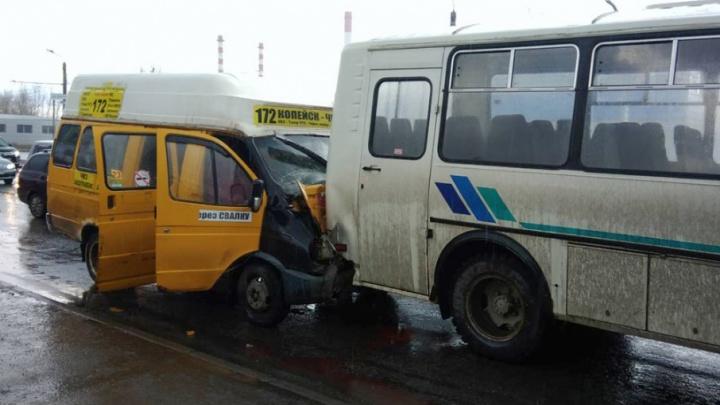 «Остановился пропустить пешехода»: пассажиры маршрутки пострадали в ДТП с ПАЗом в Челябинске
