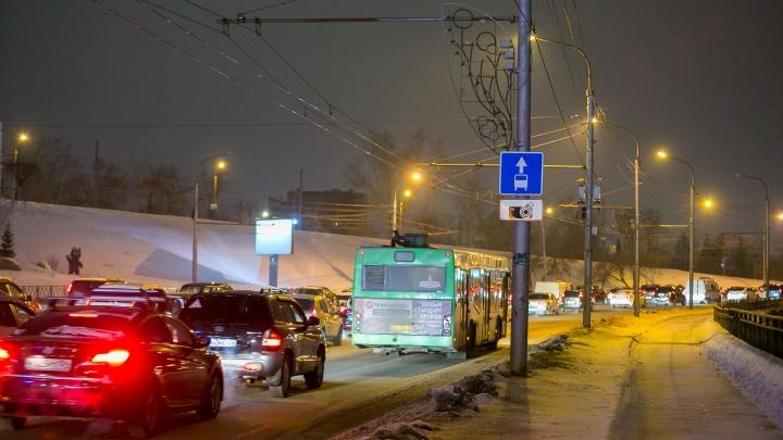 «Думали, будет хуже»: в мэрии оценили утренние пробки после введения выделенных полос