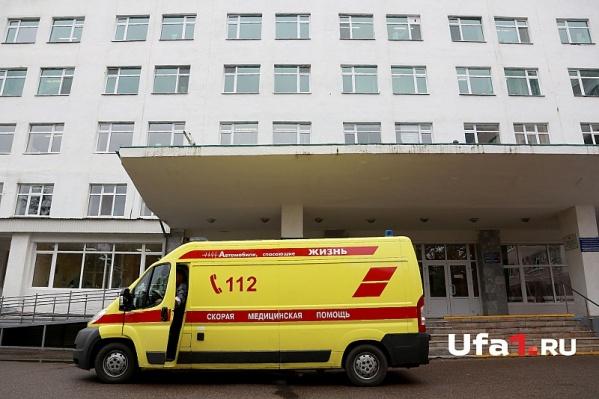 Женщину на скорой доставили в больницу