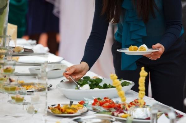 Питание делегаций и приглашенных гостей Думы обойдется почти в миллион рублей