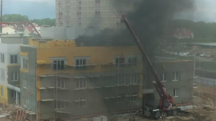 В Ярославле загорелся строящийся детский сад: подробности