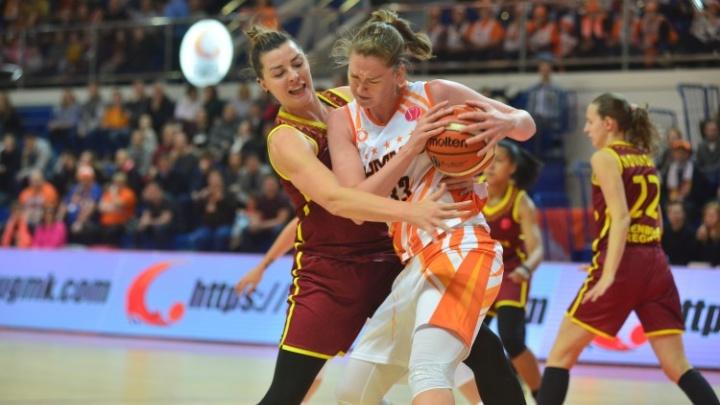 Баскетболистки УГМК одержали вторую победу подряд в Евролиге, обыграв «Надежду» из Оренбурга