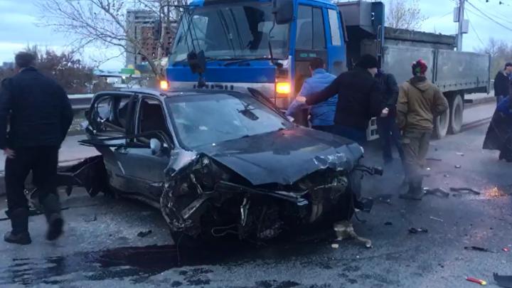В ГИБДД рассказали о травмах водителя машины, вылетевшей на встречку на Димитровском мосту