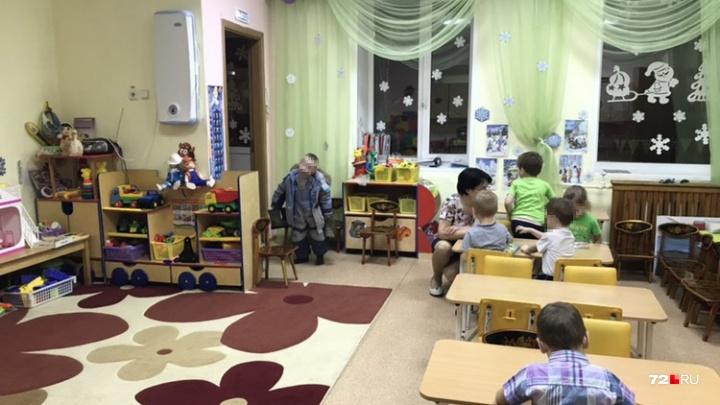 24 «смешарика» на 21 квадратный метр: родители пожаловались на тесную группу в тюменском детсаду