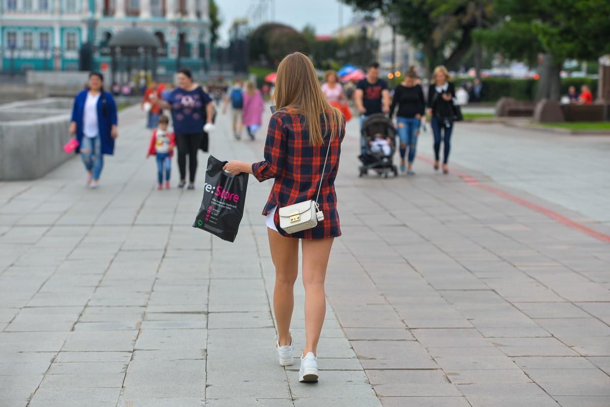 По данным экспертов, средний возраст, когда нынешние подростки начинают половую жизнь, — 16 лет. Но говорить об этом нужно раньше
