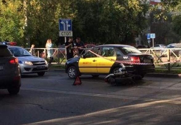 В Перми разыскивают байкера, который устроил аварию с такси