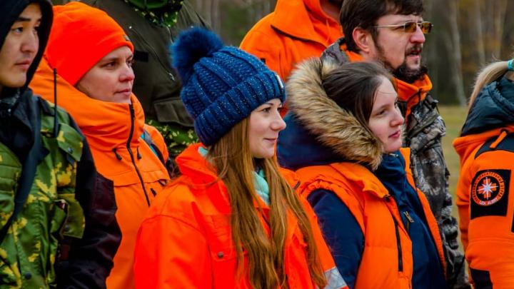 В Омске встречают волонтёров «Лизы Алерт», которые нашли Колю Бархатова: смотрим в прямом эфире