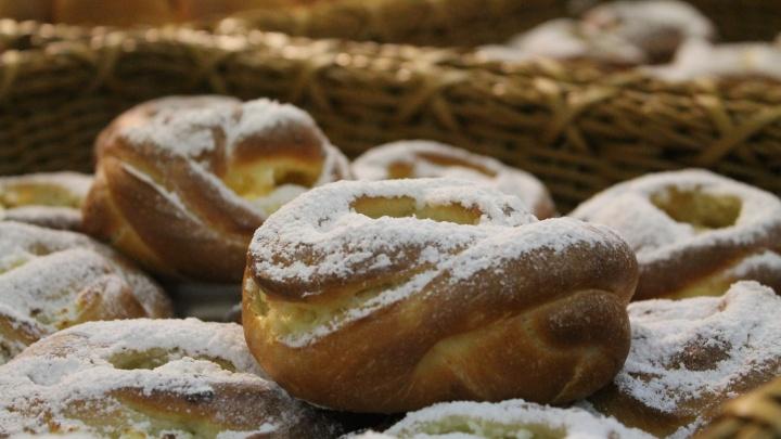 Свежие, натуральные, вкусные: «Петровский» запустила производство сытных и сладких пирогов