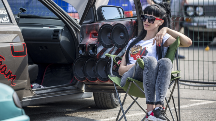 Рев моторов, визг тормозов и девушек: программа «Фестиваля скорости» в Волгограде