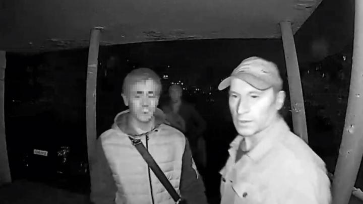 Челябинец, обвиняемый в нападении на женщину в подъезде, попросил отпустить его на свободу