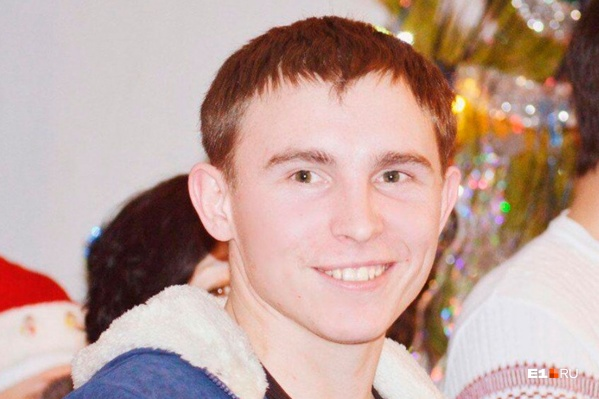 Вячеслав — сирота, которого воспитала бабушка. Родственники не верят в то, что он мог изнасиловать девушку