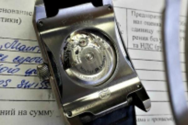 Приставы продадут часы с молотка