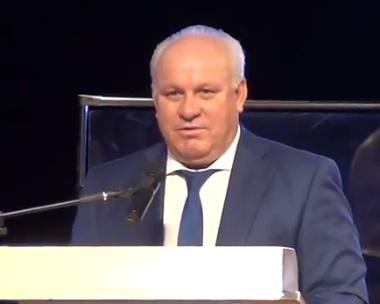 Глава Хакасии с гордостью отметил, что у республики, в отличие от Новосибирска, свой путь развития
