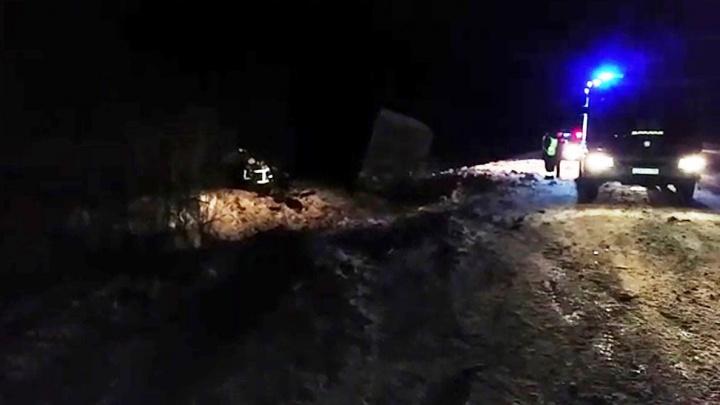 На ЕКАД произошла массовая авария из-за фуры, у которой лопнуло колесо: два человека погибли