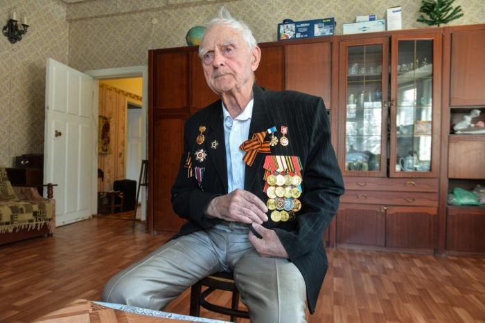 Михаил Викторович встретил войну воспитанником в военном оркестре