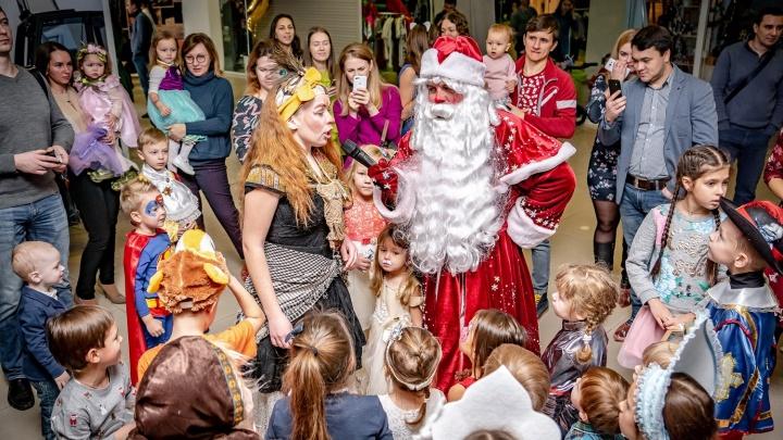 «Ростелеком» познакомил красноярских малышей с Дедом Морозом