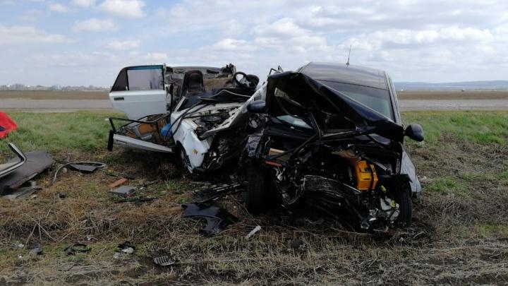 В ДТП под Салаватом погибли два человека: автомобили столкнулись лоб в лоб