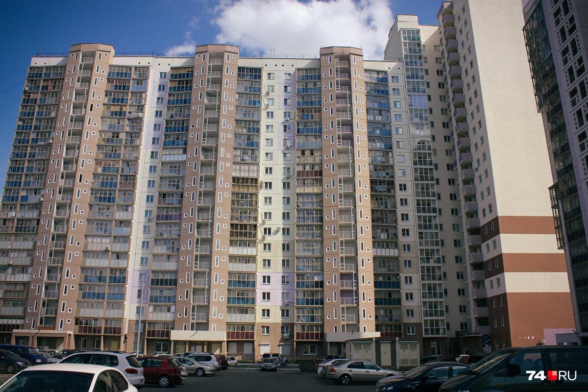 В Челябинске, по данным N1.RU, продают около 1200 квартир, в которых квадратный метр стоит меньше 30 тысяч рублей