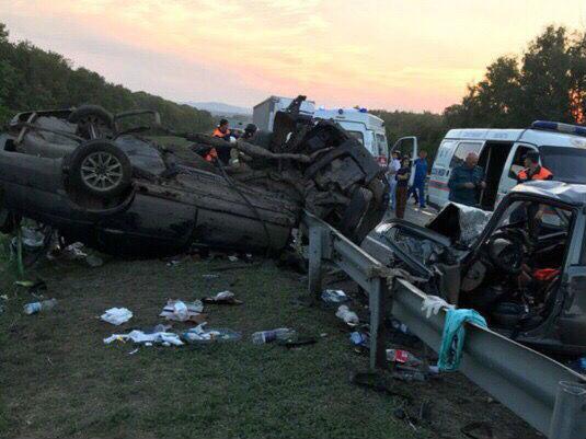 Водитель уснул за рулём: южноуральцы разбились под Саратовом по дороге на юг