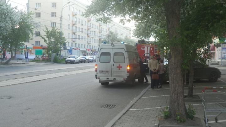 На Луначарского иномарка сбила пенсионерку, переходившую дорогу в неположенном месте