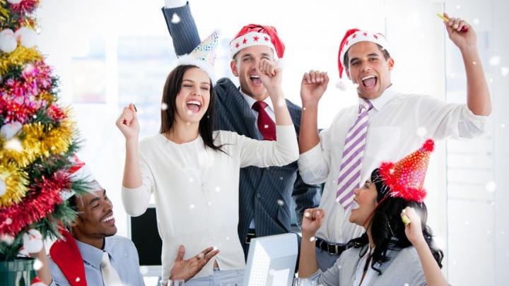 Новый год будет: бар спасёт екатеринбуржцев, которых из-за кризиса оставили без корпоратива