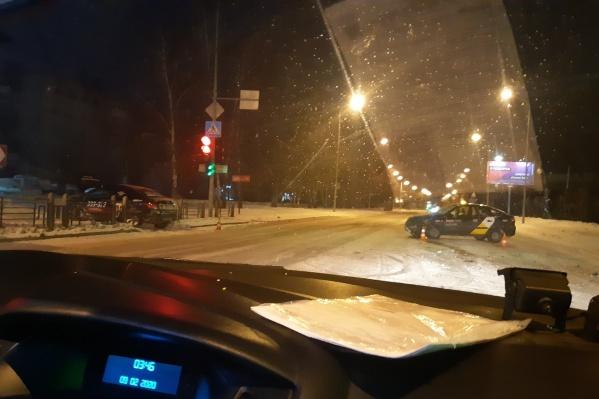 Виновник ДТП пытался проскочить перекресток на красный