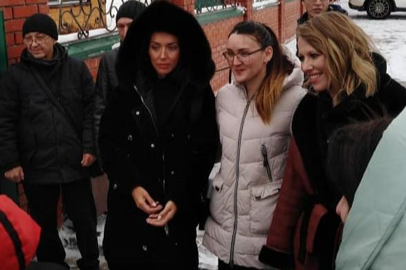 Алсу и Ксения Собчак станцевали башкирский танец, очевидцы сняли пляски на видео