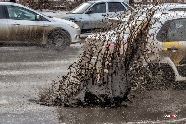 С приходом весны вся тёмная сущность челябинских дорог выплеснулась наружу