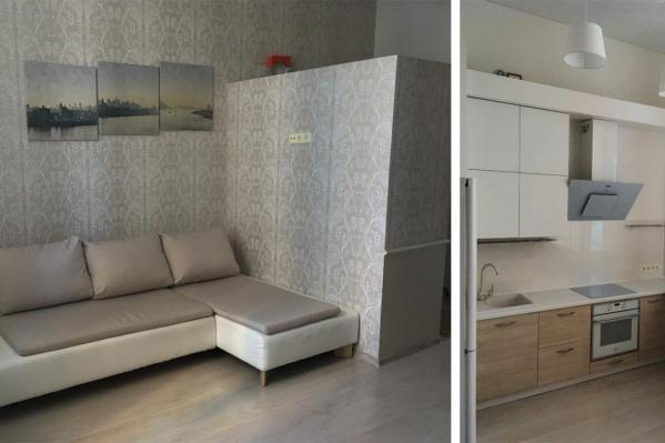 Особенность квартиры Ольги — очень высокие, почти 4-метровые потолки