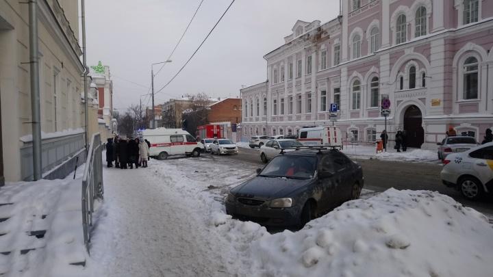 Сообщение о минировании пермской гимназии №17 оказалось ложным