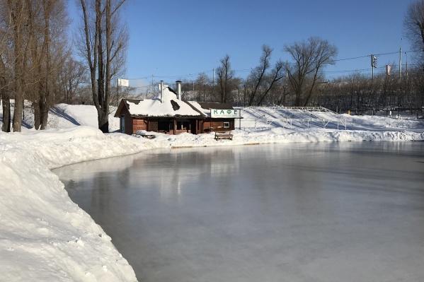 Коньки, снегоходы и ледянки— «Пикниковый рай» приготовил развлечения на любой вкус