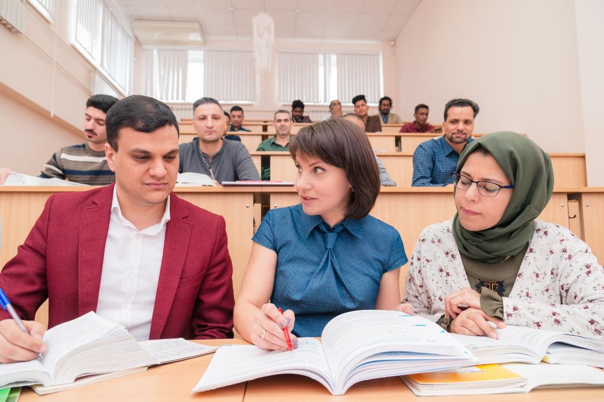 У ребят есть возможность общаться с иностранными студентами, которых много в ЮУрГУ