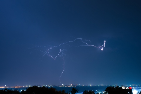 Последние сутки в Ростове бушует непогода