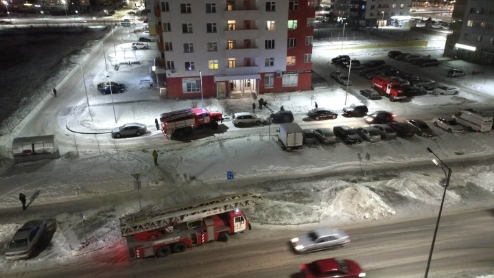Пожар в квартире на 12-м этаже всполошил тюменцев