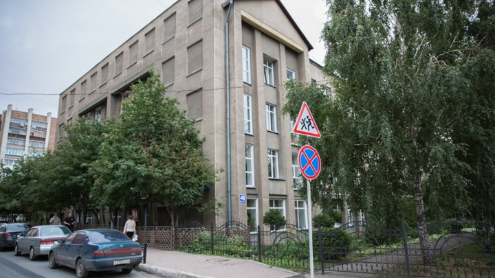 Где дают 100 баллов и медаль: названы школы и районы Новосибирска, где учатся самые умные дети