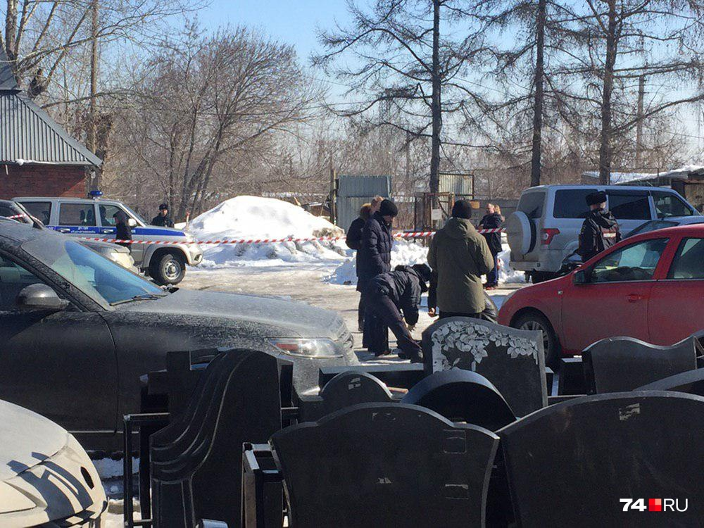 Убийство произошло недалеко от здания администрации кладбища