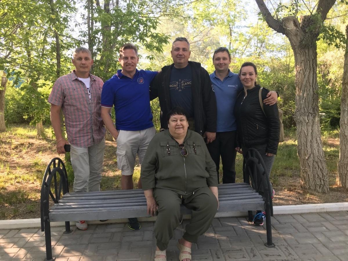 Семья Прокопьевых. Второй слева — Сергей, второй справа — Евгений