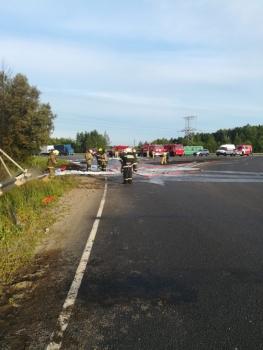 Пожар тушили 36 человек