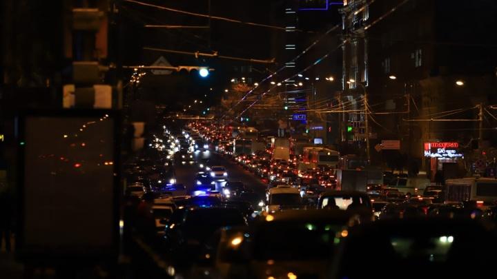 Пешком быстрее: Ростов сковали серьезные пробки