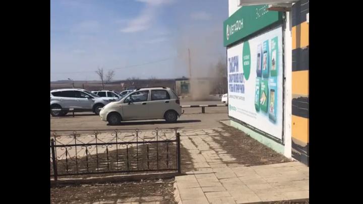 В Хайбуллинском районе Башкирии на видео сняли мини-смерч