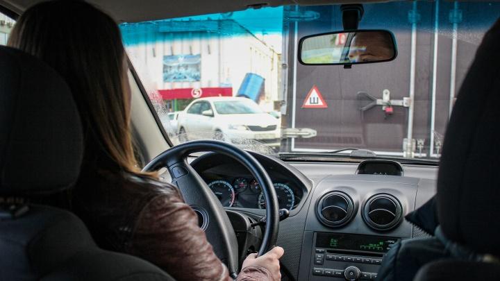 Девятнадцатилетний челябинец изнасиловал в такси женщину-водителя