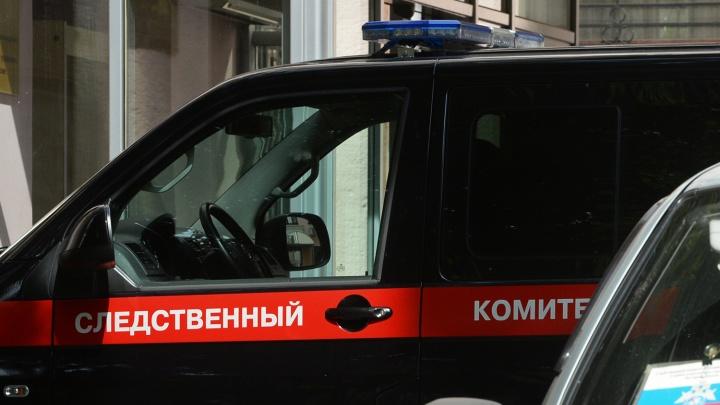 В машине у Ленинского рынка нашли застреленного мужчину