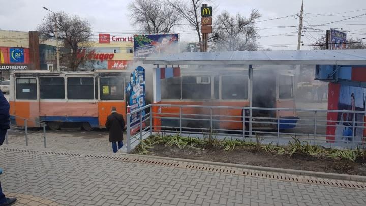В центре Таганрога вспыхнул трамвай