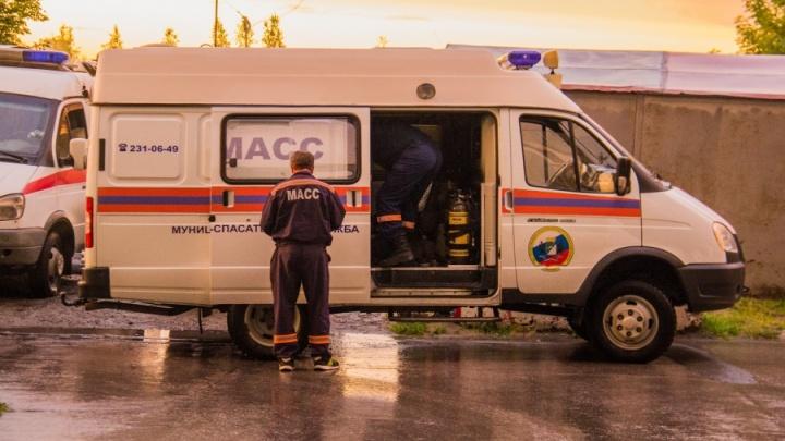 Новосибирские спасатели вытащили тонувшего в Оби мужчину