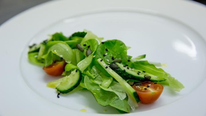 Рецепты волшебных соусов от шеф-повара и крутые идеи для легкого ужина: мастер-класс для романтиков