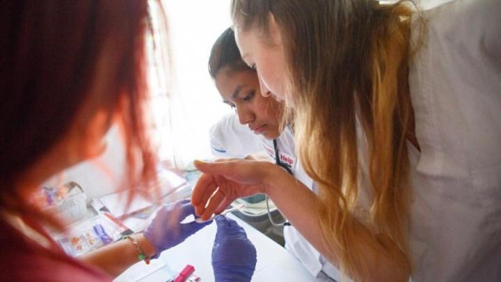 Уфимка, открывшая клинику в Гватемале, приготовила подарки Рустэму Хамитову