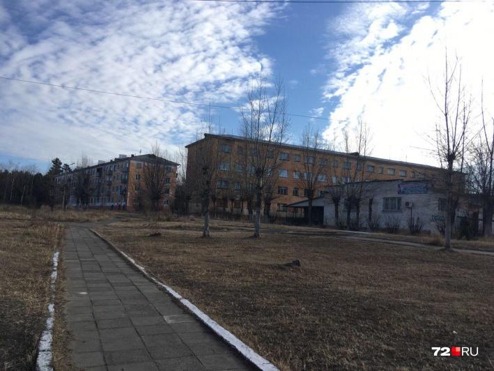 В поселке Горный долго погулять не удалось — меня попросили уехать оттуда полицейские